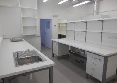 laboratorni stoly (8)