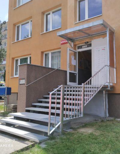 nové schody s pergolou Březnice (2)